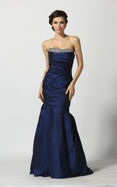 A-Line Floor-length Sweetheart Taffeta Sleeveless Prom Dress with Beading and Ruching
