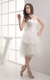 Sweetheart Knee-Length Criss-Cross Broach and Dress With Ruching