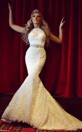 Gorgeous Lace Mermaid Wedding Dresses Beadings Sweep Train Bridal Gowns With Bottons