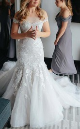Off-the-shoulder Court Train Lace Tulle Wedding Dress with Appliques