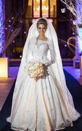 Princess Bridal Lace Wedding Dress Long Sleeves Gorgeous New Arrival Full Beadings Gowns