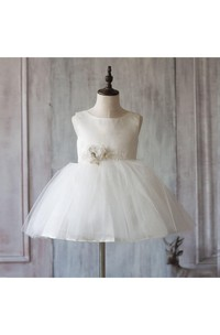 Bateau Neck Sleeveless Knee Length A-line Tulle Dress With Waist Flower