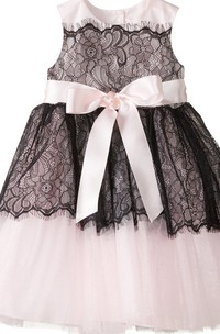 Cap-sleeved A-line Lace Dress With Bow and Pleats