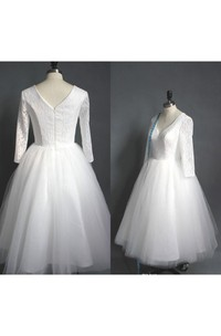 Tea Length High Quality A-line V Neck Lace Top Puffy Tulle Short Wedding Dress with Sleeves