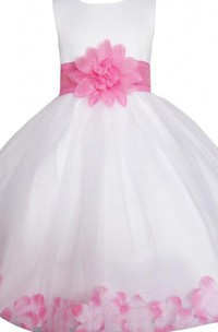 Sleeveless A-line Tulle Dress With Pletals and Bow