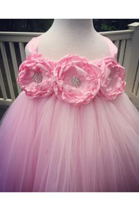 Empire Flower Bodice Pleated Tulle Gown With Ruffles