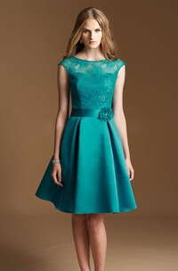 Cap-sleeved A-line Knee-length Dress with Lace Bodice and Flower