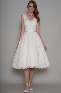 Tea-Length A-Line Appliqued V-Neck Sleeveless Lace Wedding Dress