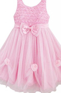 Sleeveless A-line Dress With Bows and Ruffles