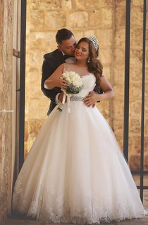 Newest Illusion Tulle Lace Appliques Wedding Dress 2016 Ball Gown Beadings