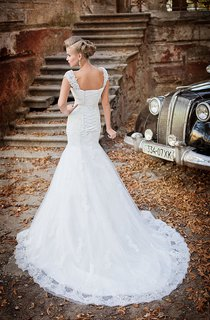Trumpet Floor-Length Sleeveless Corset-Back Lace Dress With Appliques