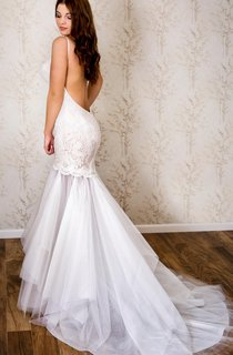 Backless Mermaid Lace and Tulle Dress With Spaghetti Straps