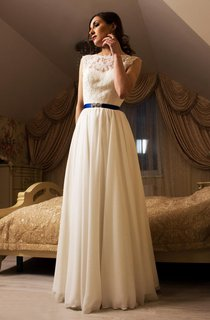 Chiffon Sleeveless A-Line Dress With Lace Bodice and Deep-V Back