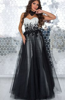 A-Line Floor-Length Sweetheart Sleeveless Tulle Appliques Beading Lace-Up Dress