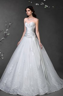 Ball Gown Long Sweetheart Sleeveless Lace-Up Satin Dress With Criss Cross And Lace