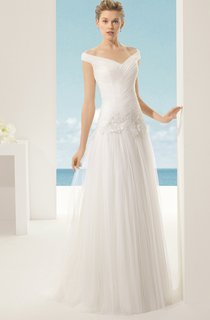 Off Top-Ruched Dress With Aplliques And Pleats