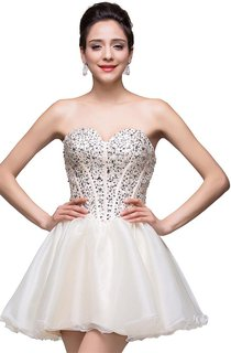 Glamorous Sweetheart Crystal Short Homecoming Dress 2016 Tulle