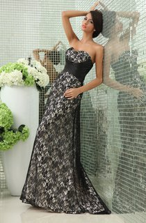 Graceful Sweetheart Lace A-Line Gown With Crisscross Detail