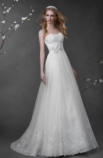 A-Line Long Sweetheart Sleeveless Lace-Up Tulle Dress With Lace And Flower