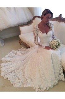 Scalloped Neckline Illusion Long-sleeved Gown With Full Lace
