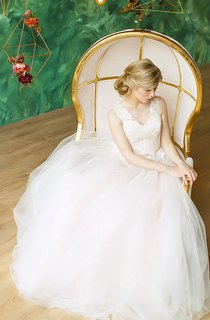 A-Line Long V-Neck Sleeveless Lace-Up Organza Dress With Sash