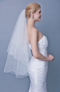 Beaded Mid Length One Tier Veil