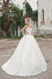 A-Line Long Sweetheart Sleeveless Lace-Up Satin Dress With Beading And Ruching