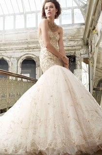 Captivating Sweetheart Neckline Tulle Ball Gown With Gold Embroidery