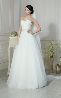 A-Line Long Sweetheart Sleeveless Lace-Up Tulle Dress With Ruching And Beading