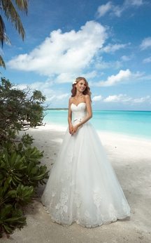 Sweetheart Long A-line Organza Wedding Dress With Appliques And bolero
