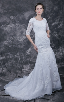 Delicate Three-fourth-sleeved Lace Applique Mermaid Wedding Gown