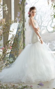 Classic Sweetheart Neckline Lace Bodice Tiered Tulle Dress