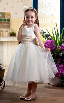 Lovely Sleeveless Tea-Length Flower Girl Dress With Bow