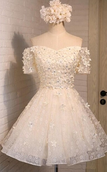 Off-the-shoulder Sweetheart A-line Short Lace Dress