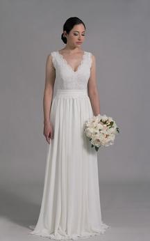 Sleeveless V-Neck Pleated Chiffon Dress With Lace Bodice