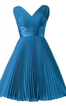 Sleeveless V-neck Ruched Sash Knee-length Pleated Chiffon Dress