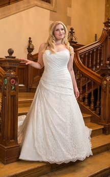 A-Line Floor-Length Sweetheart Sleeveless Lace Court Train Side Draping Dress