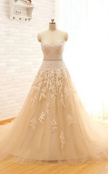 Long Sweetheart Cap Appliques Keyhole Tulle Lace Dress