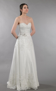 Sweetheart Strapless A-Line Dress With Open Back and Lace Appliques