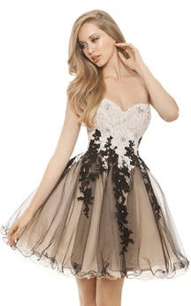 A-Line Short Sweetheart Sleeveless Tulle Appliques Ruffles Backless Dress
