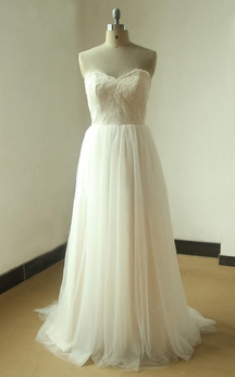 Sweetheart Lace-Bodice Tulle A-Line Dress With Pleats