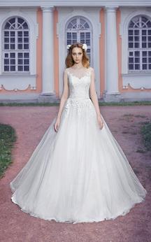 Ball Gown Floor-Length Scoop-Neck Sleeveless Keyhole Tulle Dress With Appliques