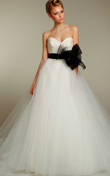 Gorgeous Pleated Sweetheart Bodice Tulle Ball Gown With Floral Belt