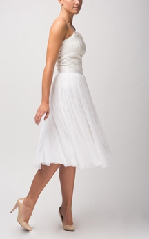 Strapless A-Line Knee Length Tulle Dress With Lace Bodice and Pleated Skirt
