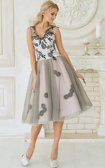 A-Line Knee-Length V-Neck Sleeveless Tulle Appliques Pleats Low-V Back Dress