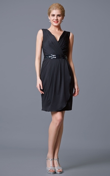 Enchanting Sleeveless V-neck Ruched Dress with Embellished Waistband
