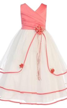 Sleeveless V-neck A-line Dress With Pleats