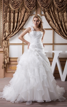 Sleeveless Side-Ruched Ruffles and Ball-Gown With Beading