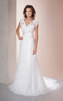 A-Line Long V-Neck Poet-Sleeve Low-V-Back Lace Dress With Appliques And Bow