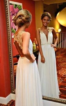 Sleeveless V-neck A-line Long Chiffon Dress with Keyhole Back